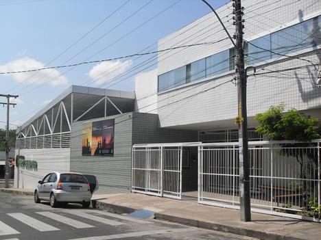 Fachada do Pro Campus Criança - acesso da Rua Firmino Pires