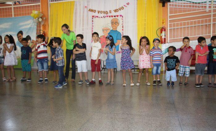 A programação contou com músicas, contação de histórias, brincadeiras e um lanche especial